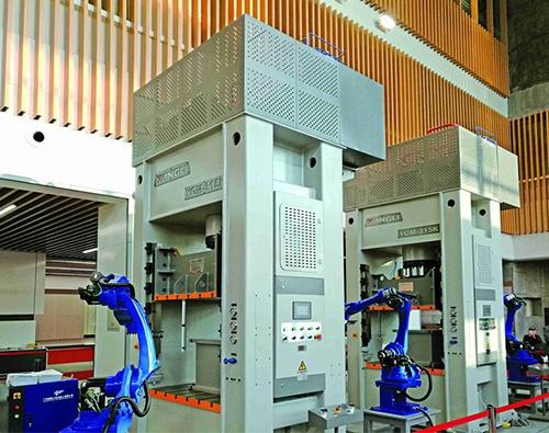 GMK係列伺服門式高速液壓機
