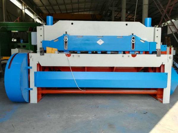 機械剪板機